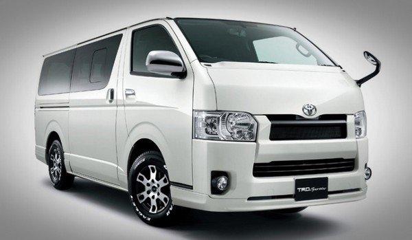 Toyota Hiace three quarter face