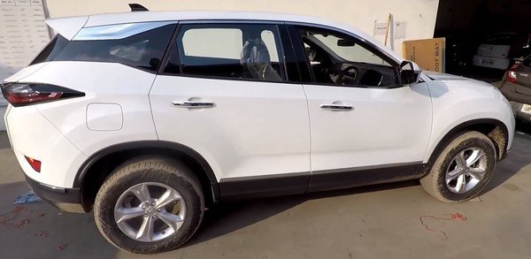 Tata Harrier with special accessories package white side profile