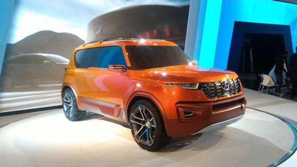 Hyundai Carlino concept orange left angular
