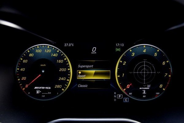 Mercedes-AMG C43 Coupe, instrument display