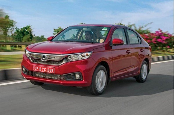 2018 honda amaze red front angle in action