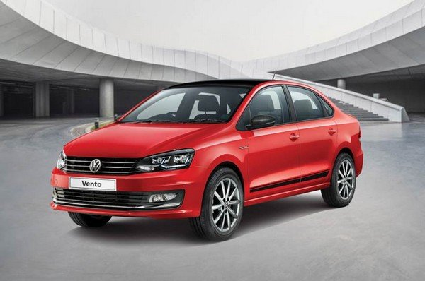 2018 volkswagen vento red front angle