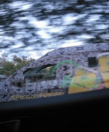 2019 Renault Triber spy shot