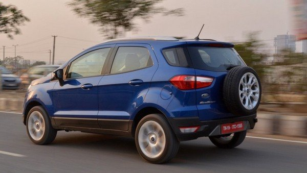 2017 ford ecosport petrol at rear angle motion