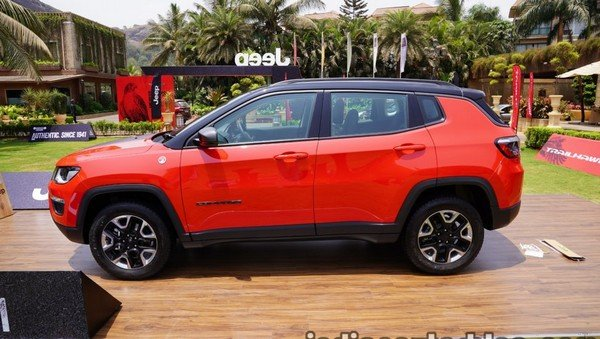 2019 jeep compass trailhawk red side profile