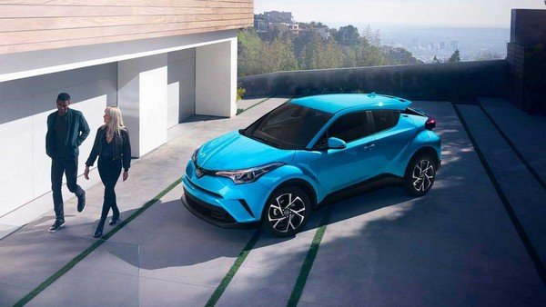 future toyot cars blue side profile angle