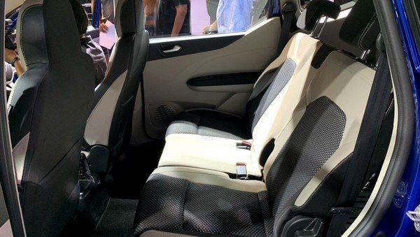 renault triber second row seats