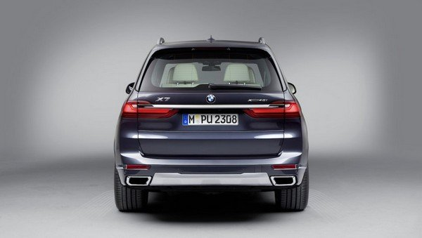 bmw x7 blue rear angle