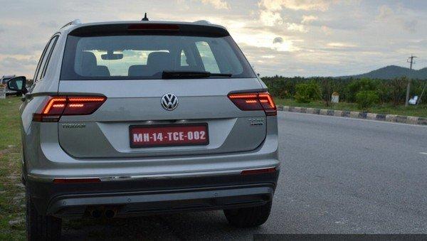 2017 Volkswagen Tiguan silver rear