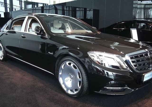 Deepika Padukone Mercedes Maybach S500 black side proofile angle