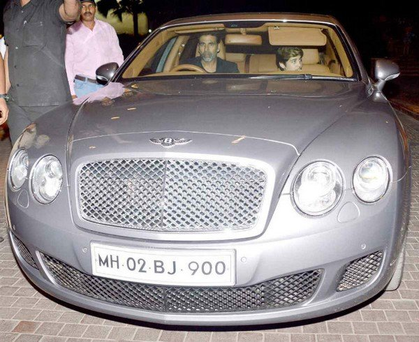 akshay kumar bentley flying spur silver front
