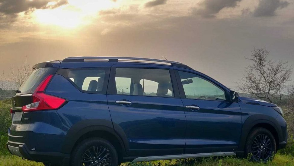 2019 Maruti XL6 blue side profile