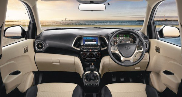 hyundai santro interior dashboard