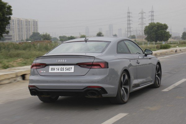 audi rs5 grey rear angle