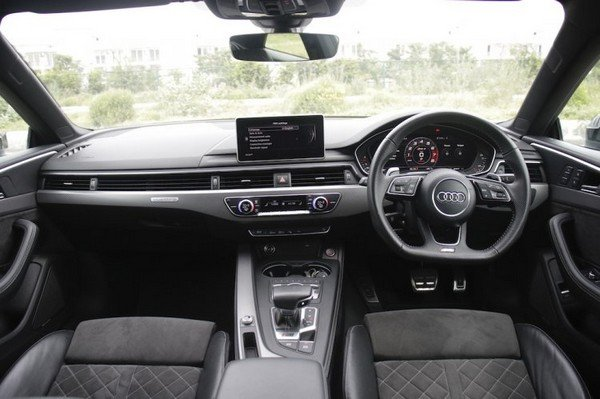 audi rs5 interior dashboard layout