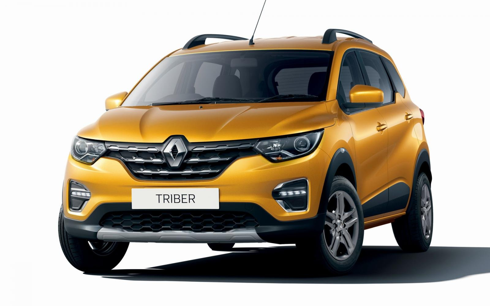 Renault Captur front three quarter