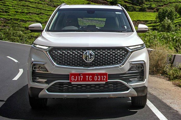 mg hector white front angle