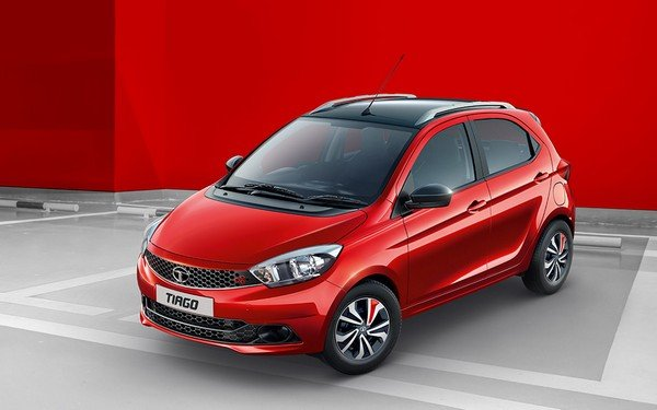 tata tiago red front angle