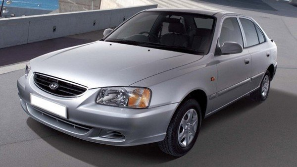 hyundai accent silver front angle
