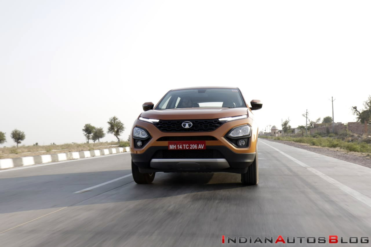 Tata Buzzard Vs Tata Harrier: Tata Harrier driving