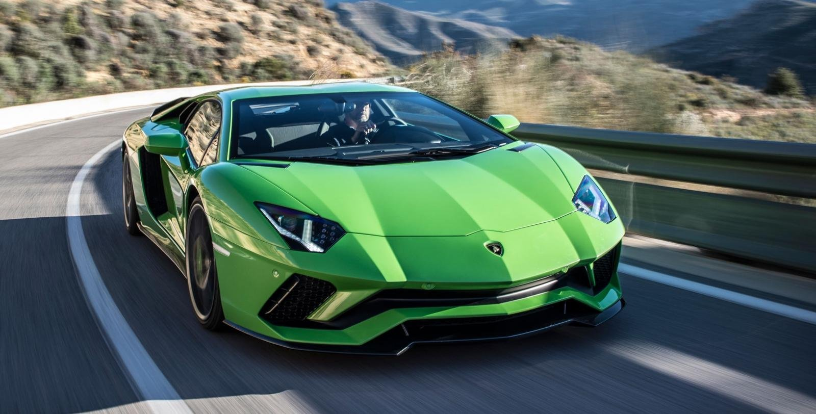 15 Most Expensive Cars in India - Lamborghini Aventador S