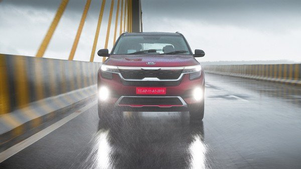 india-spec kia seltos action image front angle