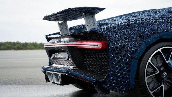 bugatti chiron lego rear angle