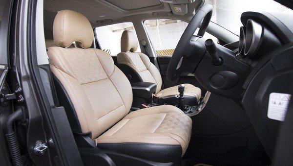 2019 mahindra xuv500 interior front seats