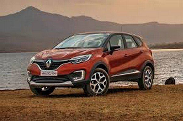 2018 renault captur red front angle