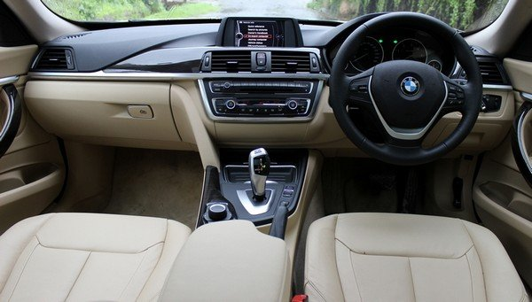 BMW 3 Series Gran Turismo interior dashboard