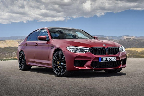 Fastest petrol cars in India - bmw m5