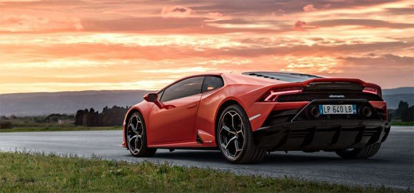 Fastest petrol cars in India - lamborghini huracan rear