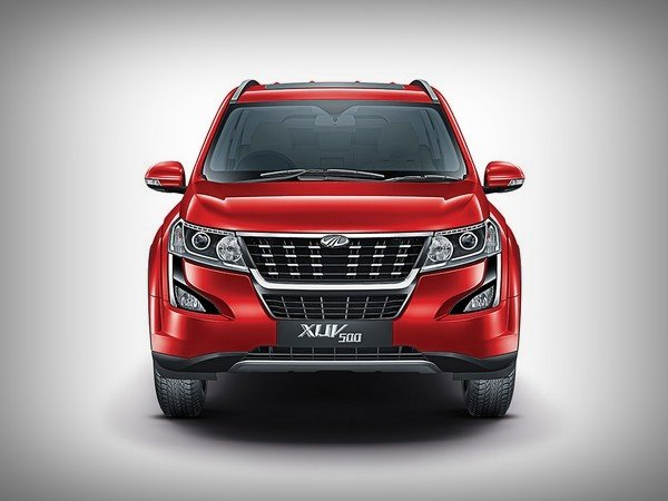 mahindra xuv500 red colour front angle