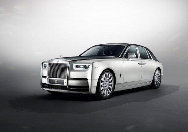 Rolls royce phantom silver front angle