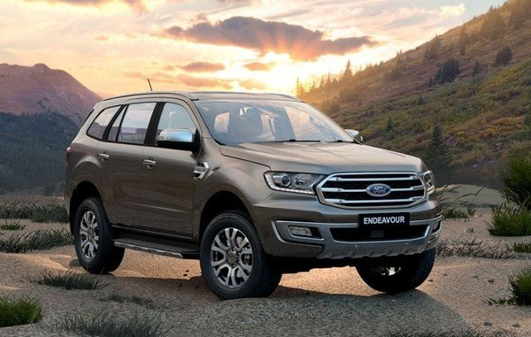 Luxury Cars Below 50 Lakh ford endeavour front