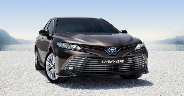 Luxury Cars Below 50 Lakh toyota camry hybrid