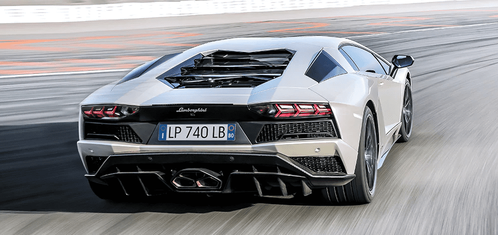 Fastest petrol cars in India - Lamborghini Aventador