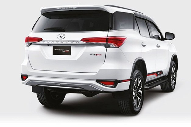 2020 BS-6 Toyota Fortuner - Rear