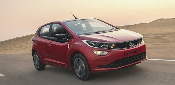 2020 tata altroz red front angle