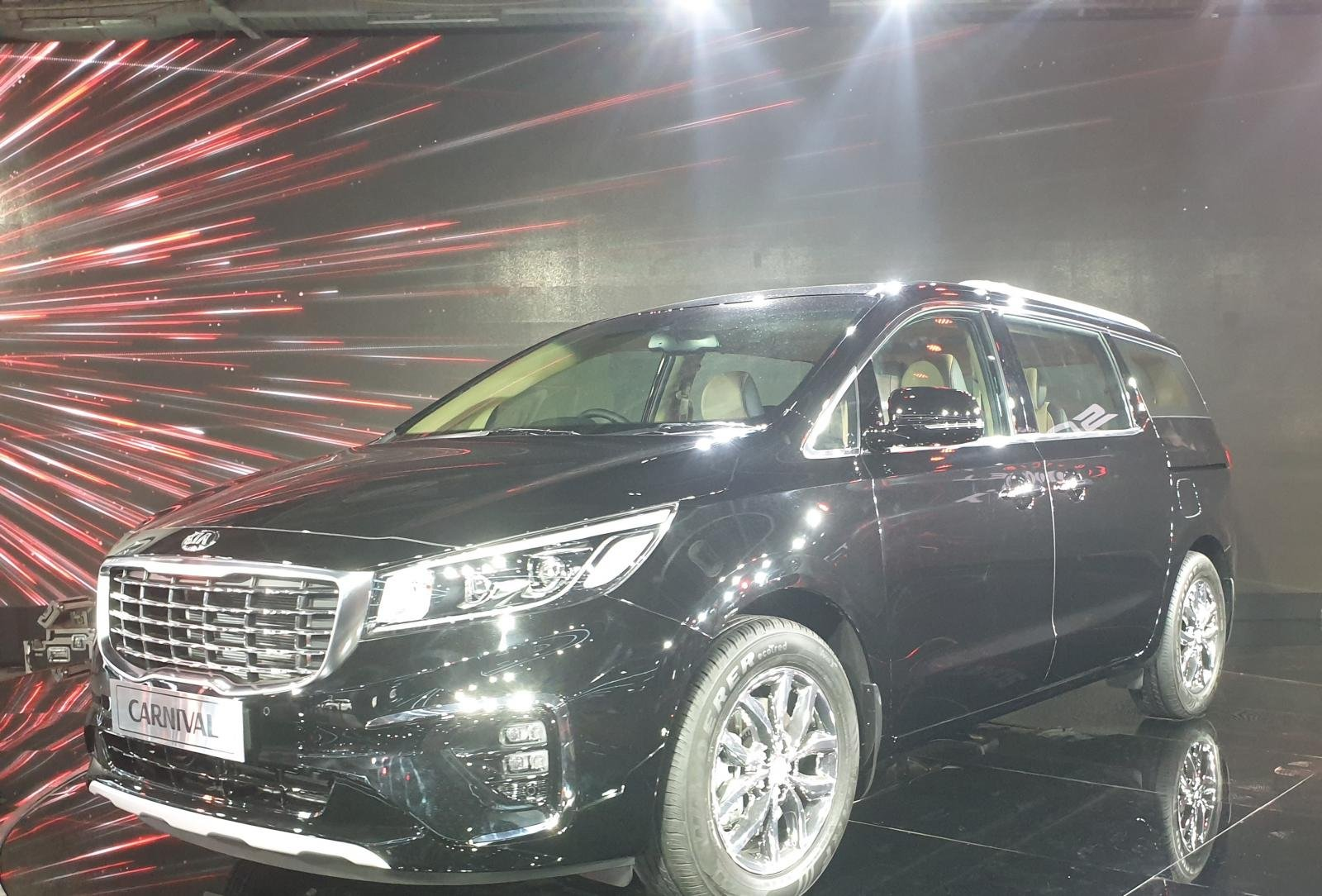 Kia Carnival Launched At 2020 Auto Expo With A Starting Price of Rs. 24.95 Lakhs