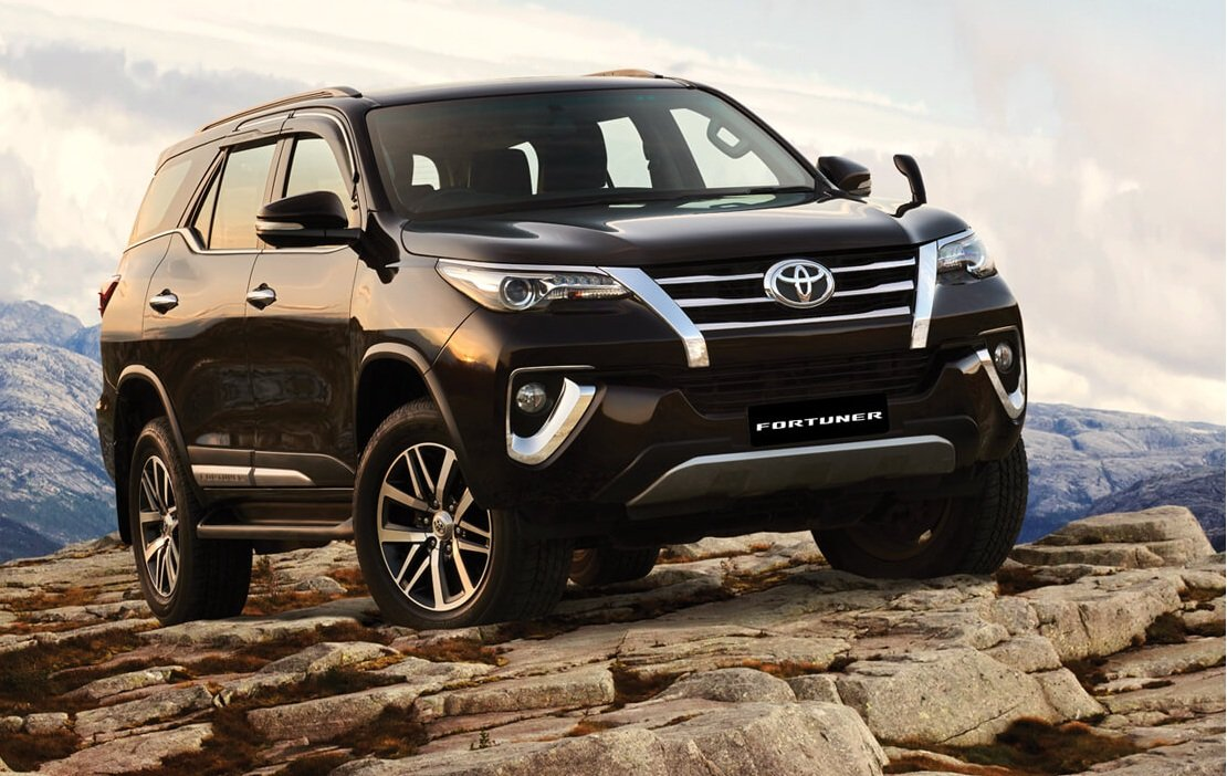 MG Gloster vs Toyota Fortuner Comparison - Toyota Fortuner front angle