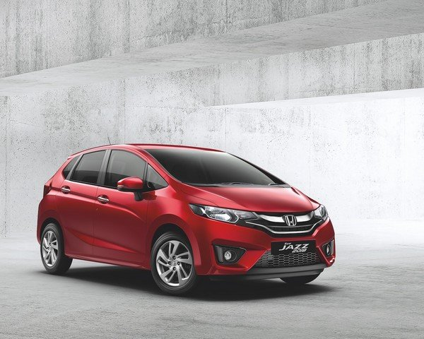 2018 honda jazz red front angle