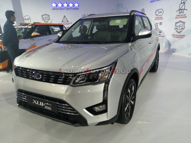 Mahindra XUV300 Sportz front angle