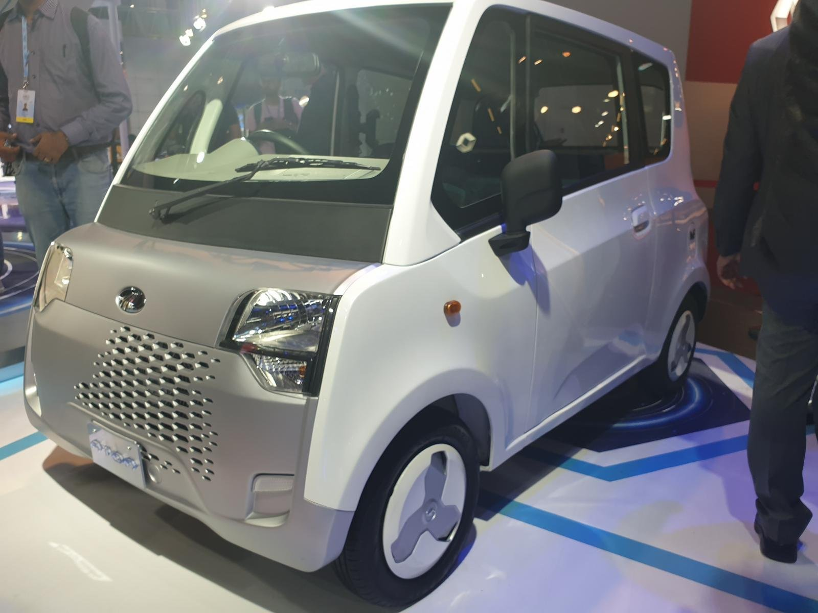 Electric Powered Mahindra Atom Is A Bajaj Qute Rival, Launch Soon