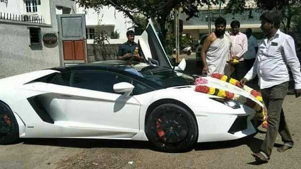 darshan lamborghini white side profile