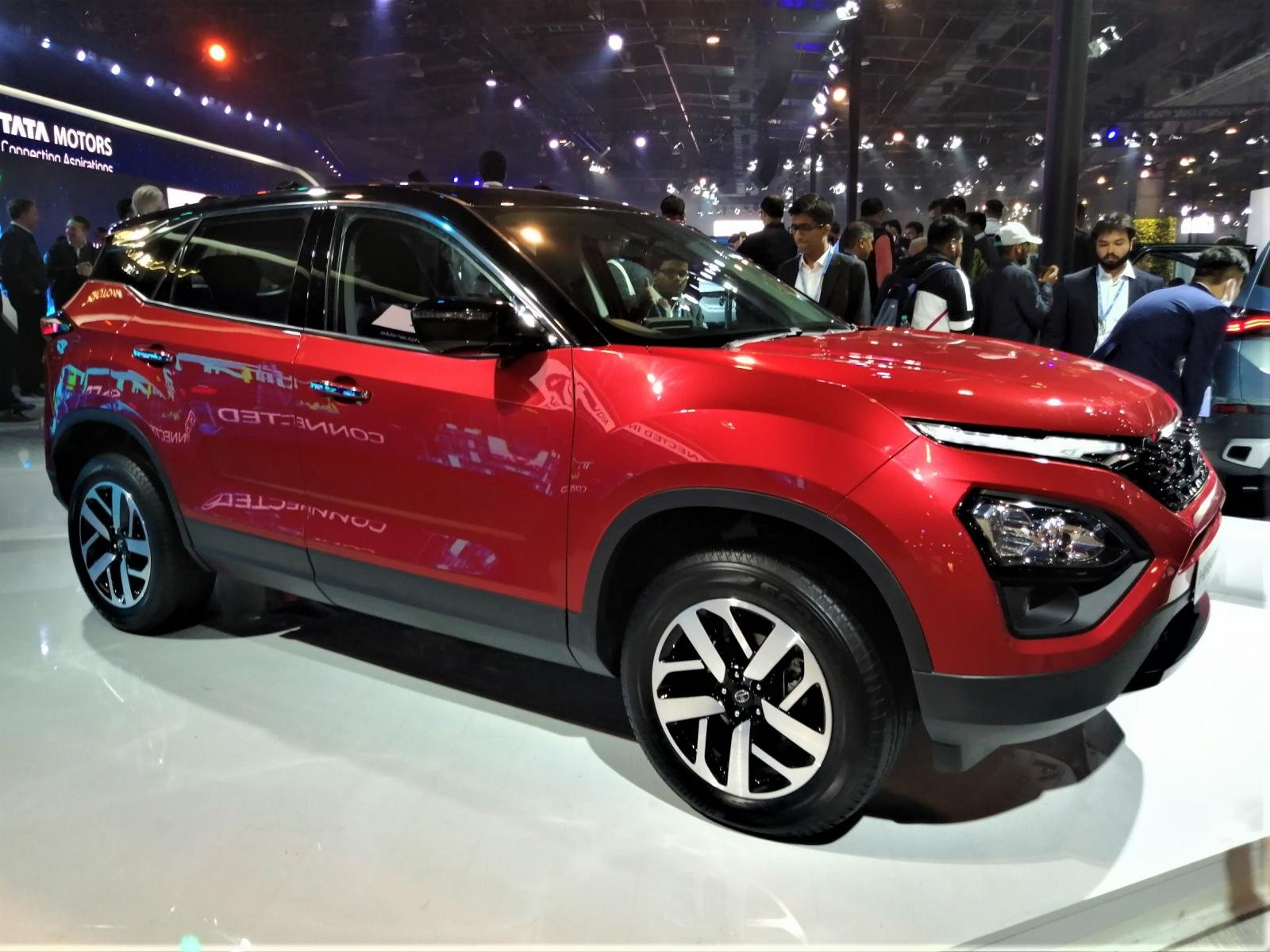 Big SUVs' like Tata Harrier and MG Hector at the Top of Wish List of Millennial Car Buyers