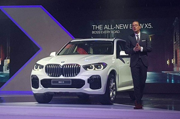 bmw x5 white front angle