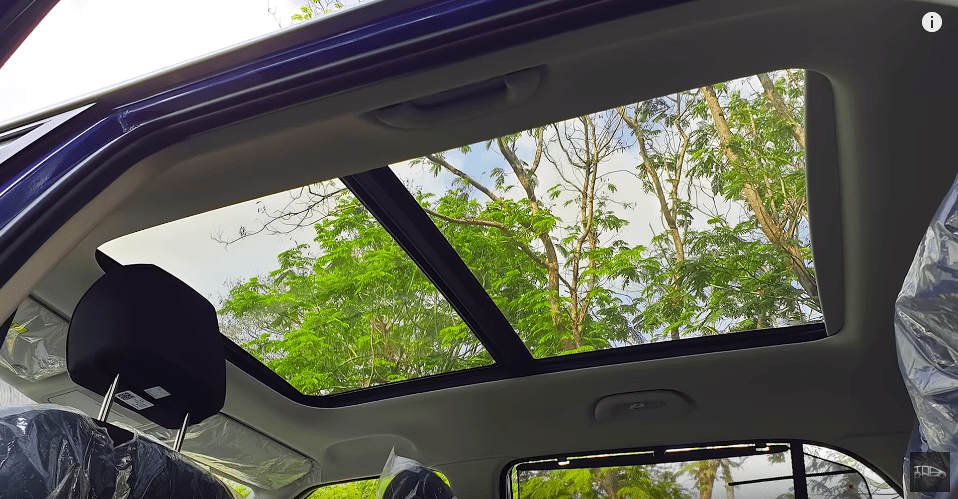 2020 Hyundai Creta SX (With Panoramic Sunroof) Detailed In An Exclusive Video