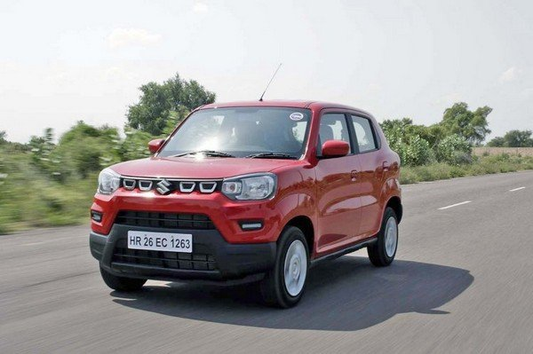 maruti s-presso red colour front three quarters