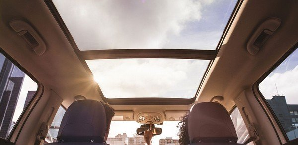 jeep compass panoramic sunroof